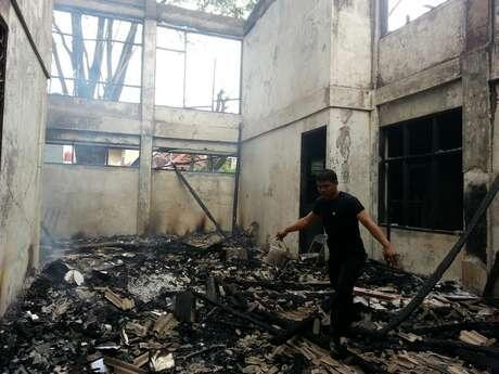 [Tebak Daerah Mana Hayo?] Bentrokan Mahasiswa, Gedung Kampus Sendiri Dibakar
