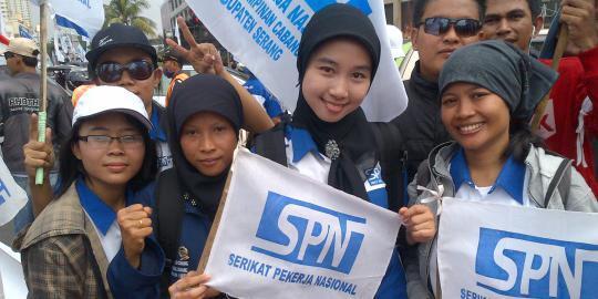 ( Pada Tau Diri Gak Sih ) Ahok: Buruh Depok Bekasi Tangerang Ngapain Demo Ke DKI