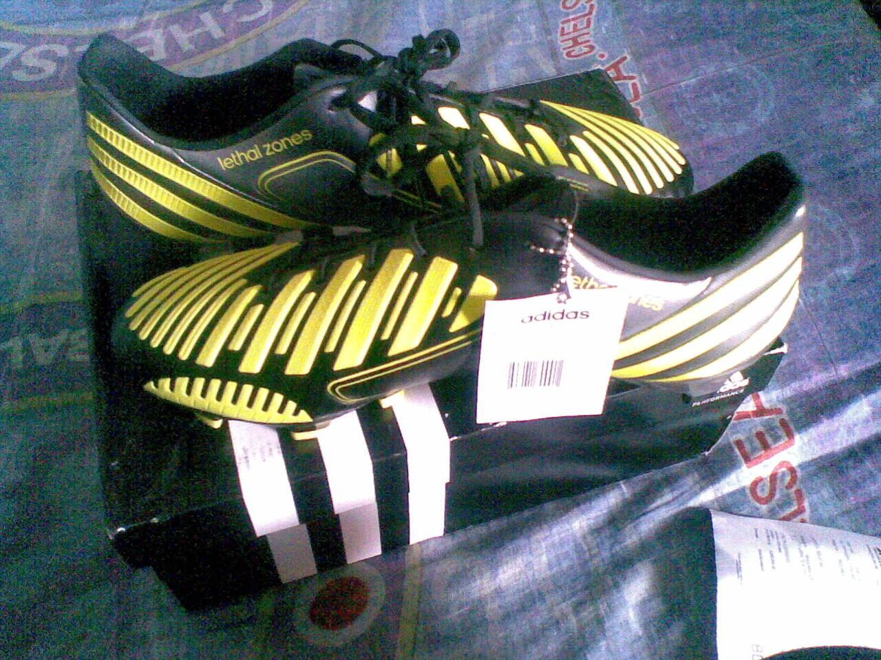 Topi Adidas Predator, AC Milan & Syal / Scarf AC Milan ( Original semuannya BNWT)