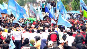 Manfaatkan Kisruh Atut, Buruh Banten Tuntut Upah di Atas Jakarta