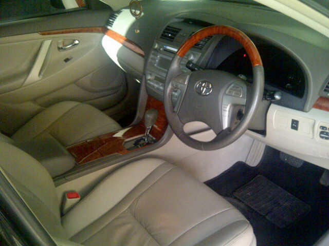 Jual Toyota Camry 2.4 V Tahun 2010 (Jual Cepat)