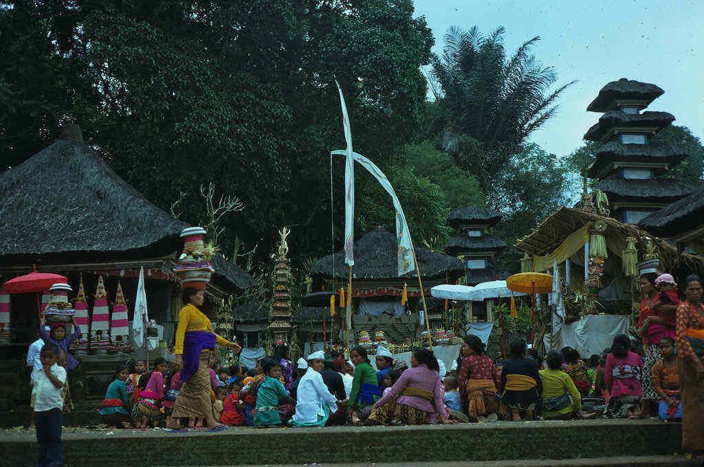 Keindahan Foto-Foto Pulau Bali Tahun 70-an