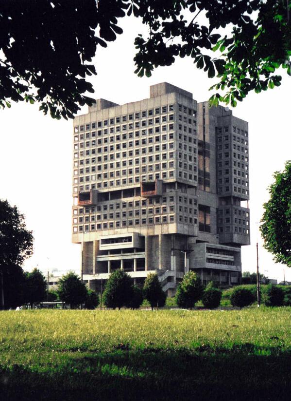 10 Arsitektur Yang Brutal di Eropa Timur