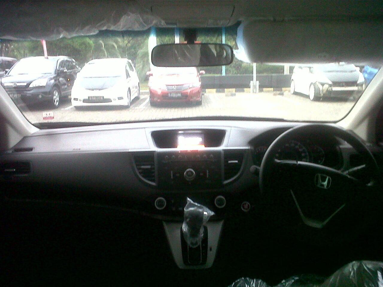 rasakan kenyamanan sedan di sebuah SUV,hanya di Honda CR-V
