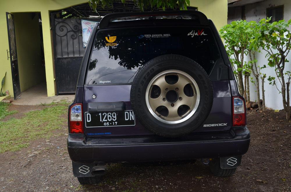 Suzuki sidekick 1996 bandung