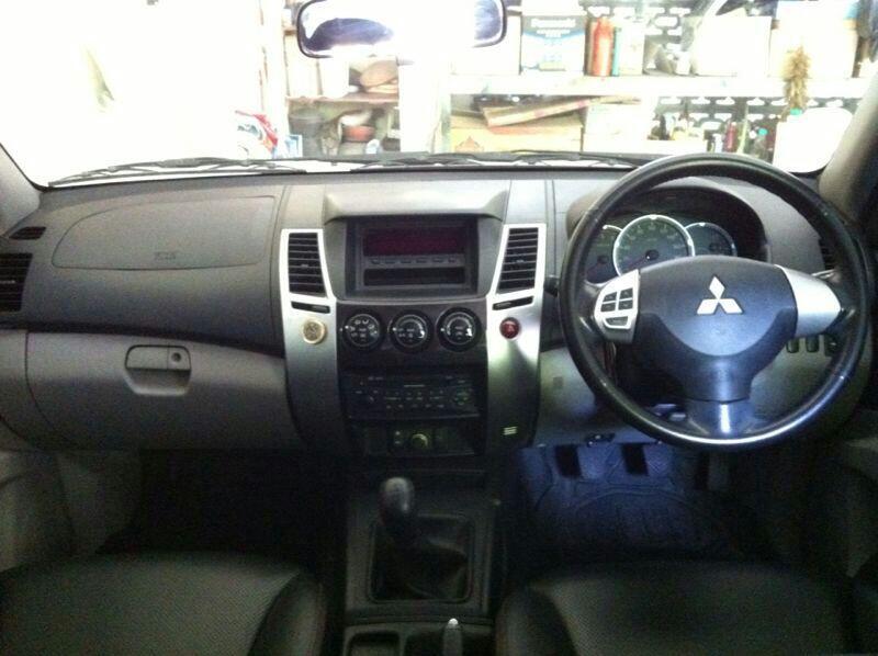 Dijual Mitsubishi Pajero Sport 2011, tipe GLS