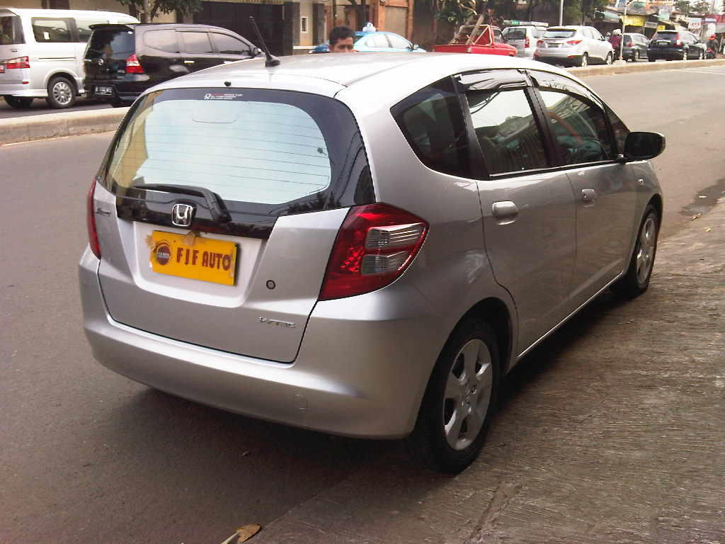 HONDA ALL NEW JAZZ S AT 2009 SILVER METALIK