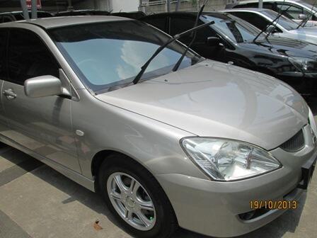 Mitsubishi Lancer sei triptonic tahun 2005 silver