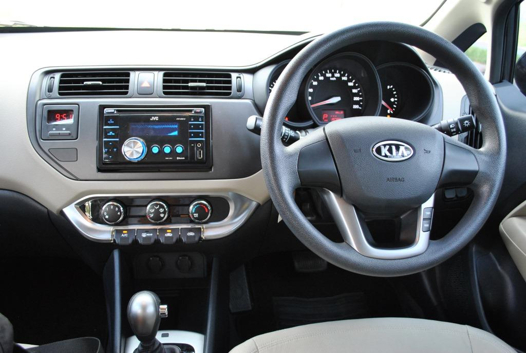 Dijual KIA RIO Hatchback thn 2012 Matic AT mungil tapi cantik