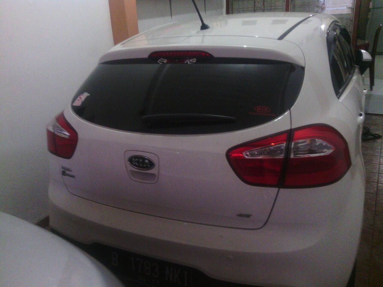 For Sale! KIA RIO 2012 (Pajak bln 4) AT/ WHITE PEARL/ KM 27K