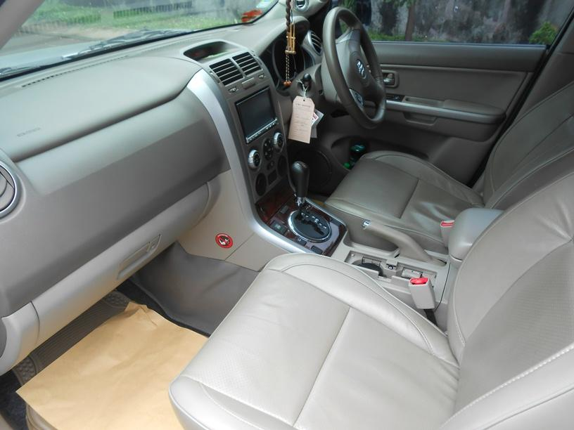 Dijual Suzuki Grand Vitara A/T 2007 SILVER