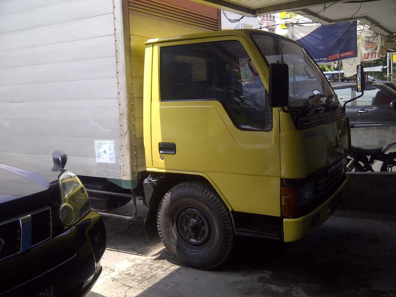 mitsubishi colt diesel engkel 4ban box almu 2004 ( 3 unit)