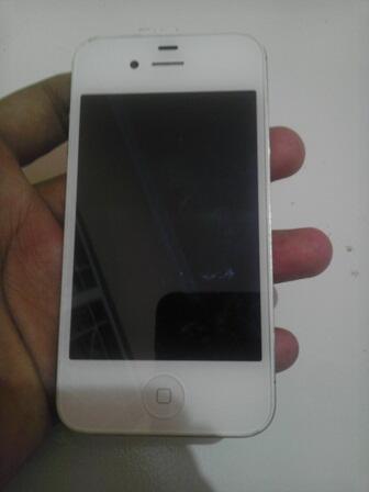 Iphone 4s 16 gb white murmer surabaya