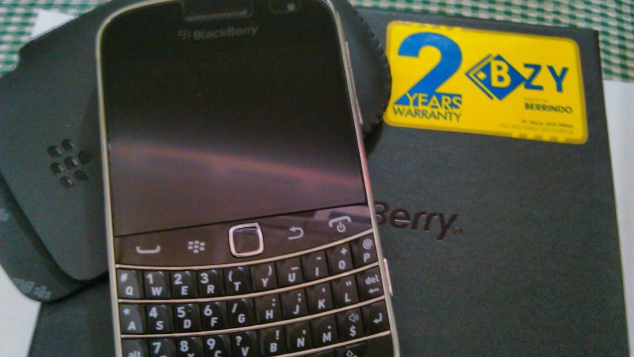 Blackberry Dakota 9900 Black Like New Muraaaah