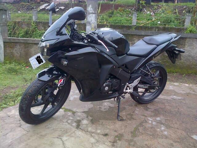 Honda All Nwe CBR 150R - 2011