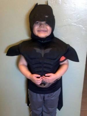Bocah Pengidap Leukimia Jadi Batman Sehari