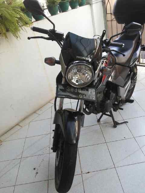 Motor Yamaha Tiger Tahun 2012 Bonus Box Givi
