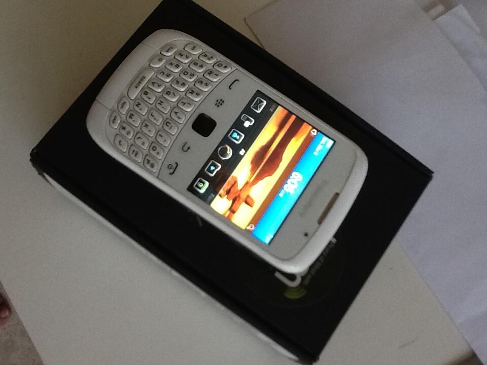 WTS : Blackberry Curve 3G 9330