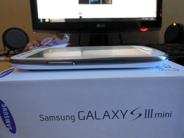Samsung S3 Mini / S III Mini - GT - I8190 Like New Fullset
