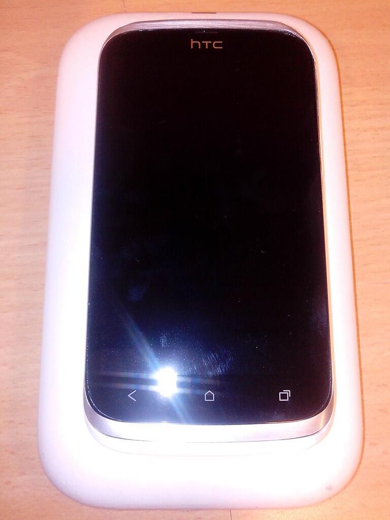 HTC DESIRE V GSM-GSM EX TRIKOMSEL