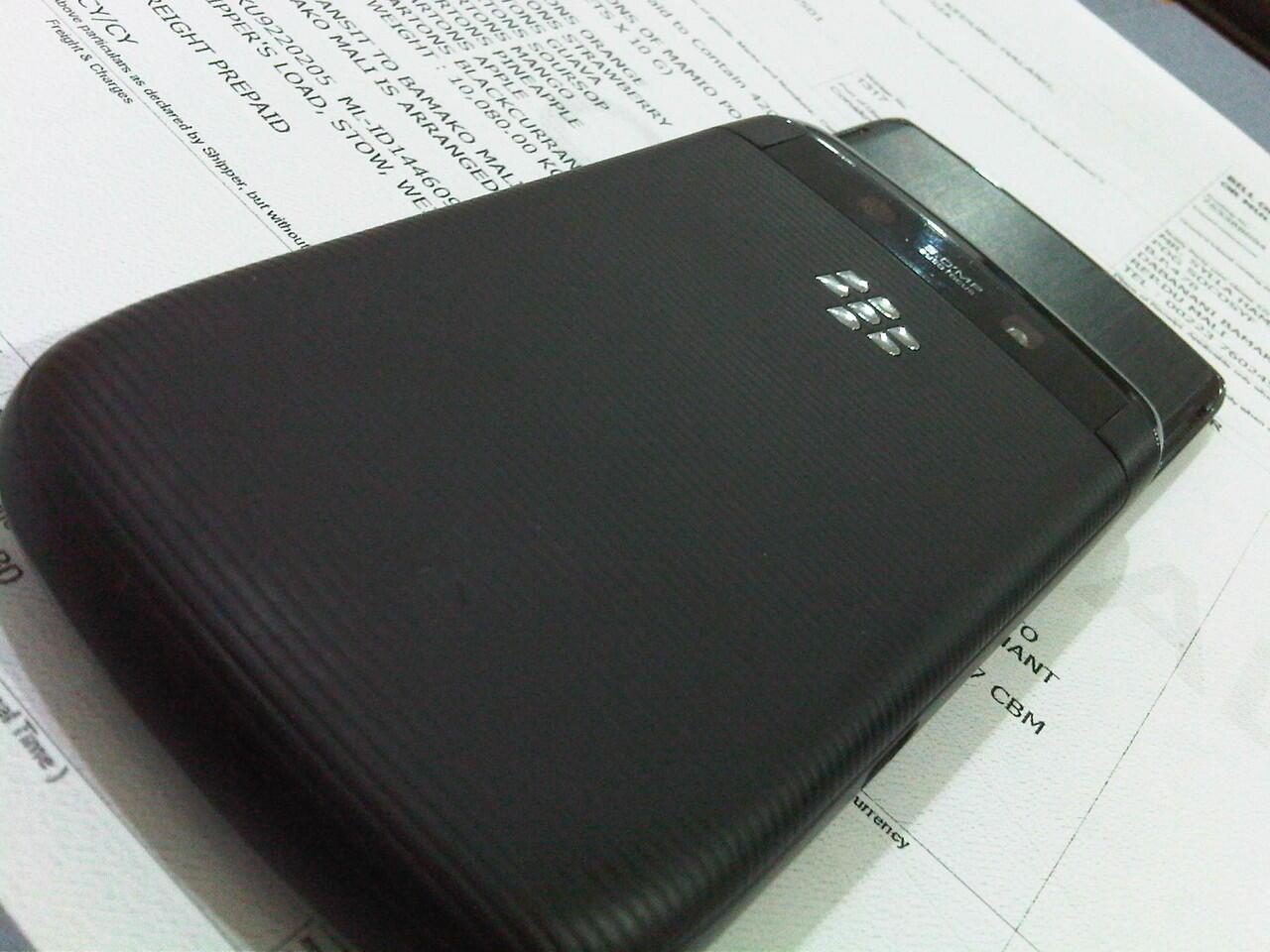 Dijual BlackBerry Torch 9800 [ Garansi TAM ]