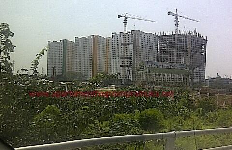 green pramuka city apartemen