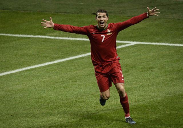 Percakapan Ibra dengan Ronaldo.....Ibra dibungkam oleh CR7 dengan Gol-Golnya