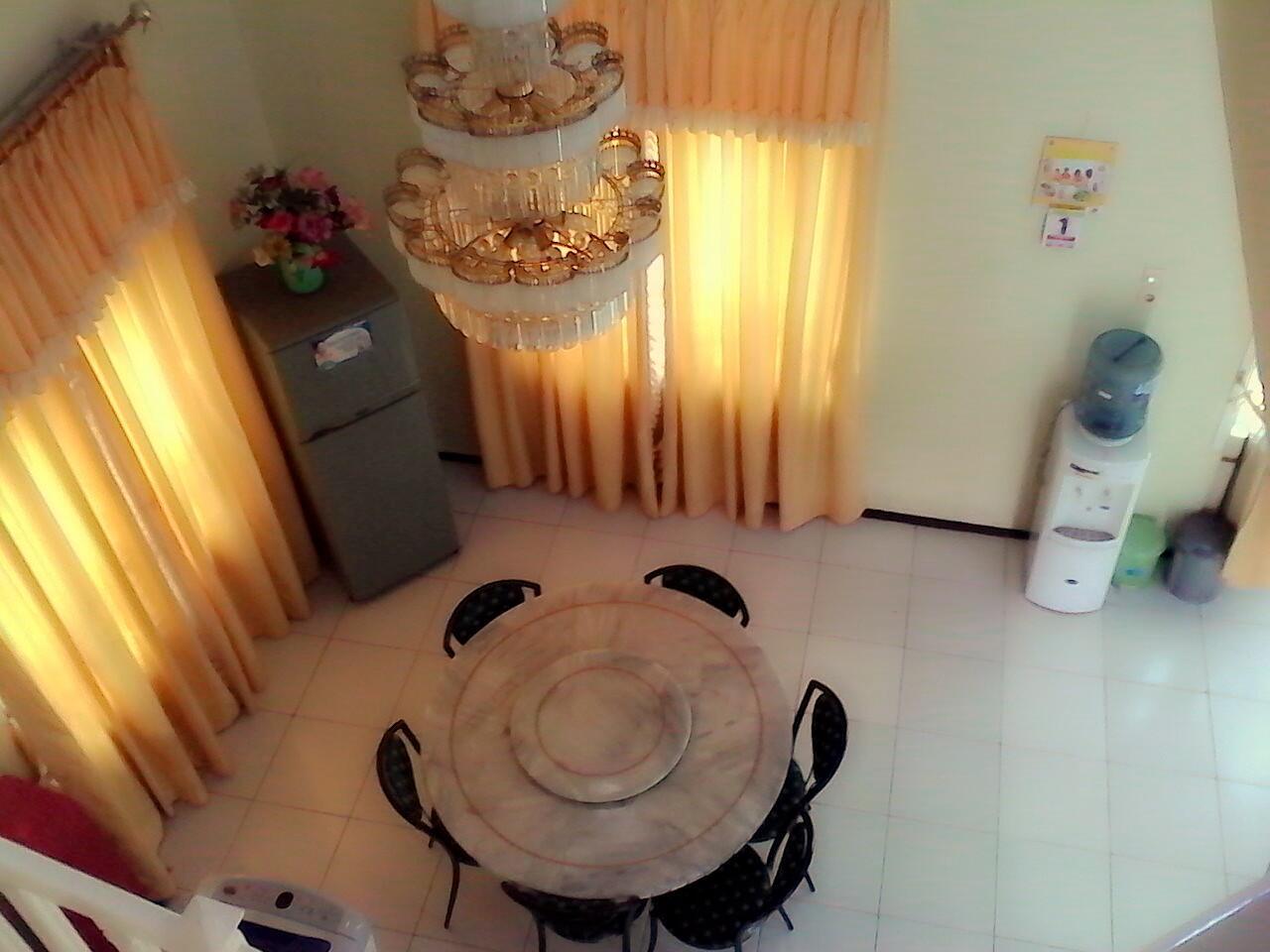 sewa villa vila di puncak murah kolam renang cipanas cianjur , villa luxury1 ID ersan