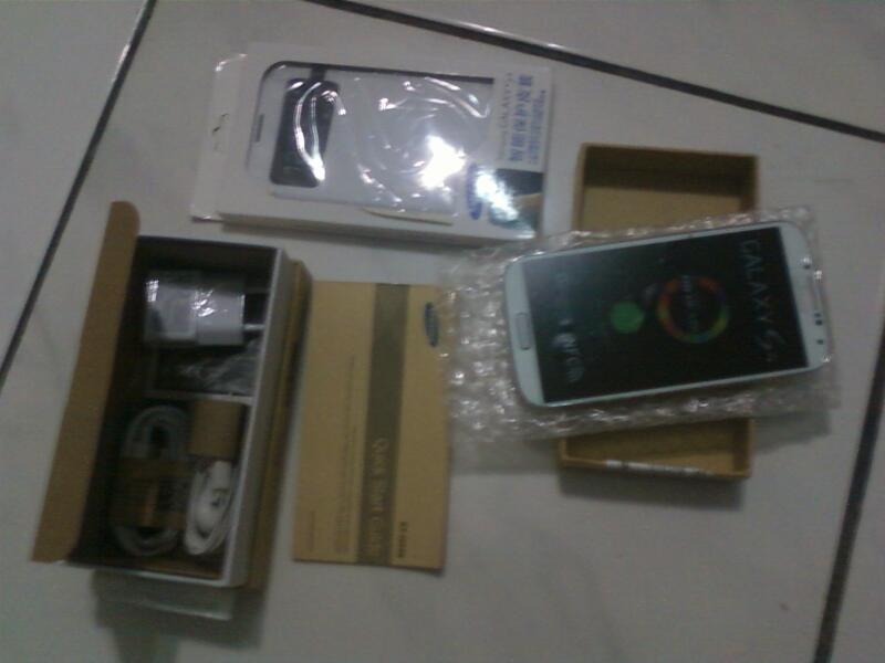 Samsung Galaxy s4 white new