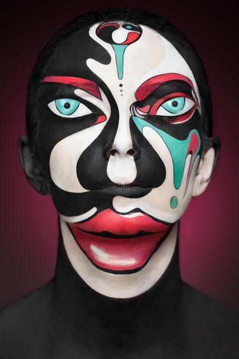 ~๑๑.Lukisan Wajah yang Menyerupai Karya Seni 2Dimensi.๑๑~