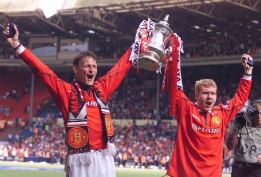 jersey bola manchester united treble winners 1998-1999 scholes 18. langka gan murah!!