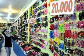 Kenapa Pake Sendal Lebih Enak daripada Pake Sepatu?