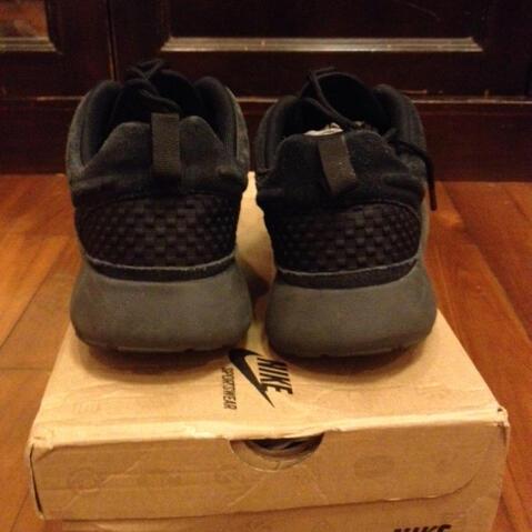Terjual WTS Sepatu NIKE Roshe FreeRun Killshot f1185153f4