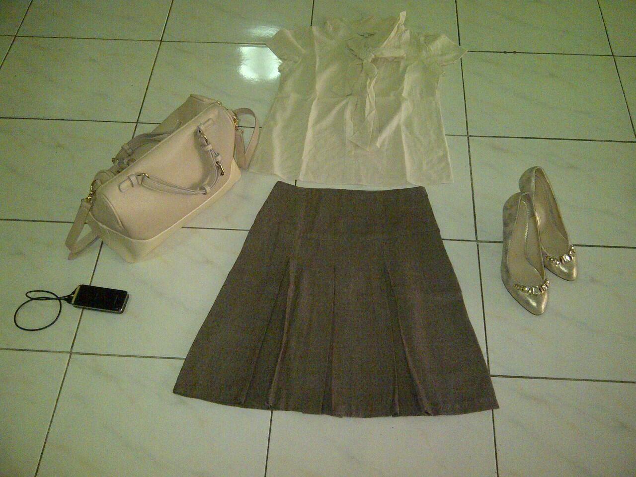 sale bongkar lemari kemeja, blazer, rok mini, dress second harga miring (JILID II)