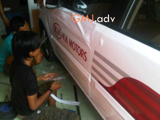 Jasa pasang sticker partai promosi.. car branding / car wrapping..etc best price.!!