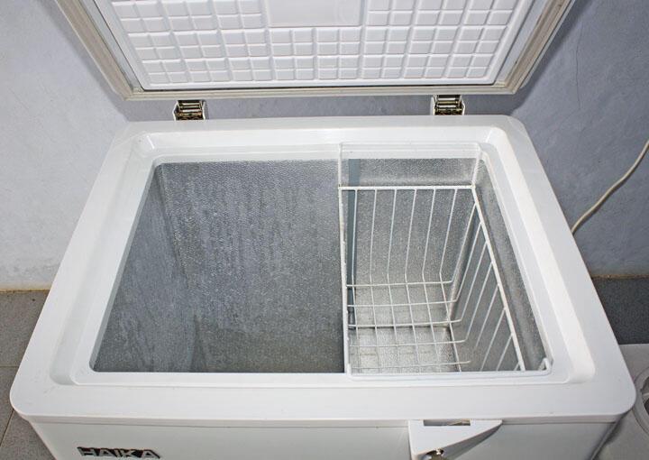 Terjual JUAL CHEST FREEZER Kulkas ICE CREAM Merk HAIKA