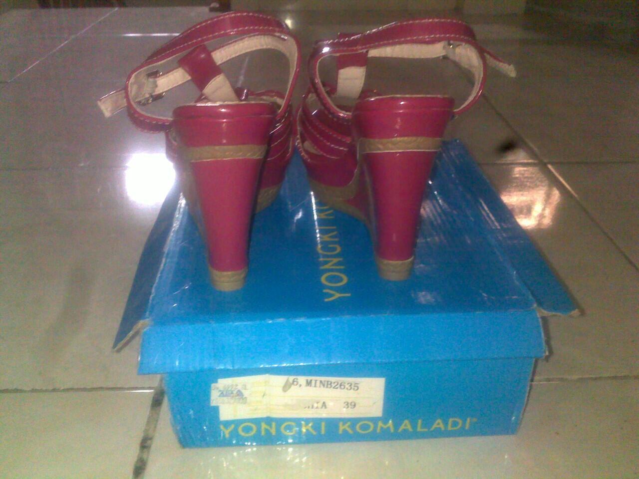 Wedges Pink Yongki Komaladi 98%