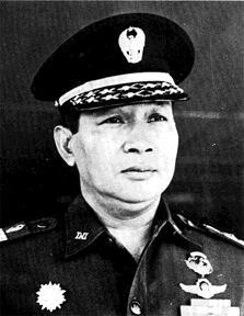 Kebiadaban Rezim Soeharto di Sumatera Barat dan Riau