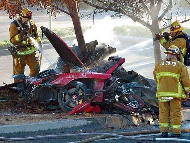 "Mobil Hajar Pohon, Bintang ""Fast and Furious"" Paul Walker Tewas"