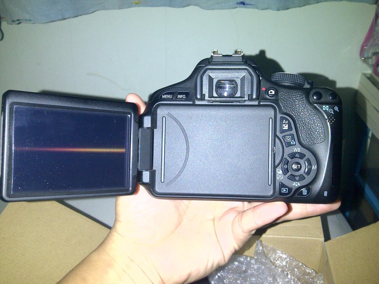 Jual kamera Canon EOS 600D/Rebel T3i BO+lensa kit 18-55mm[made in Jepang]-Murah Bgt