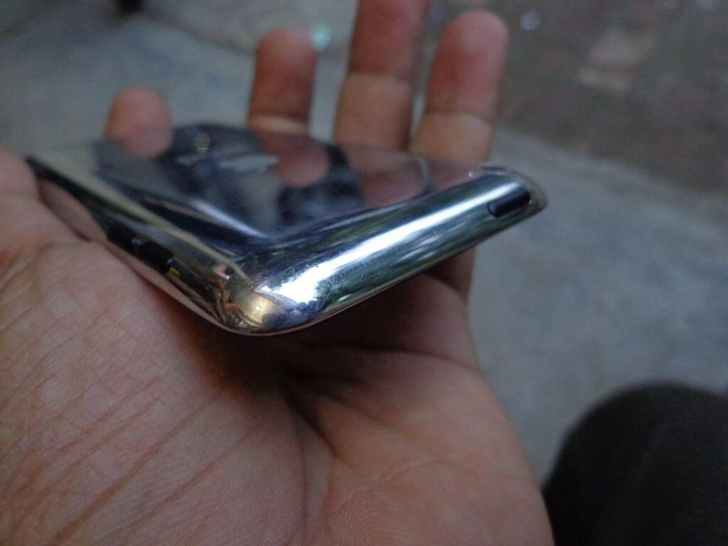 iPod touch 4th 8gb muluss murah hanya 750rb