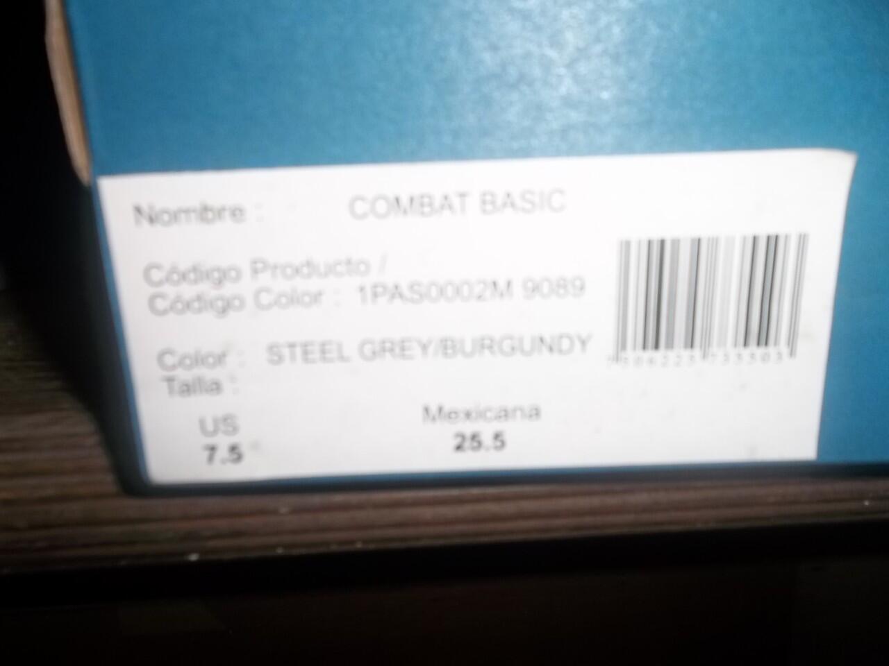 ..Jual..KangaROOS Combat Basic BNIB Burgundy/Steel Grey size 40.5