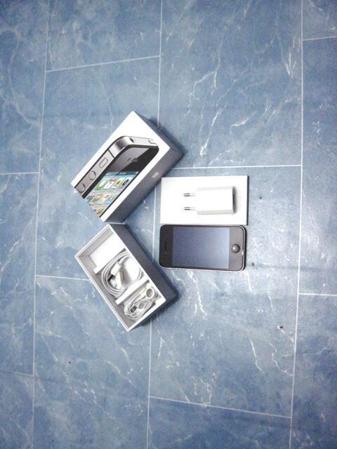 Terjual Iphone 4S 16GB Black Fullset Tapi Harga Cuma 3 9bcd06e4b7