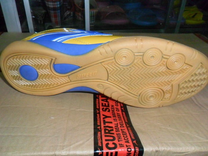 sepatu futsal speed proactive yellow submarine