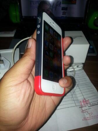 IPHONE 5 WHITE 16GB,FULLSET + BONUS2 (SURABAYA)