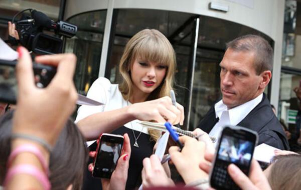 ~๑๑.5 Lagu Patah Hati Ala Taylor Swift.๑๑~