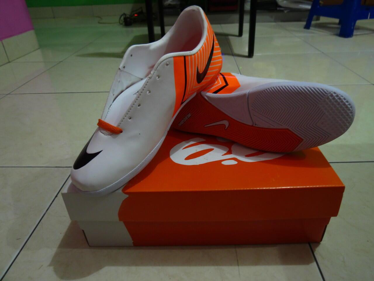 jual sepatu futsal nike hypervenom   nike mercurial kw super made in  vietnam(bandung) ... ea138b649a