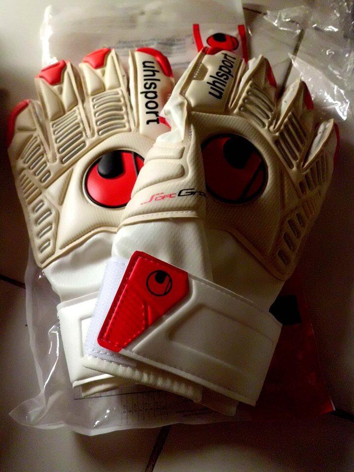 Goalkeeper Gloves Adidas Sells Puma Nike5 Reusch Uhlsport