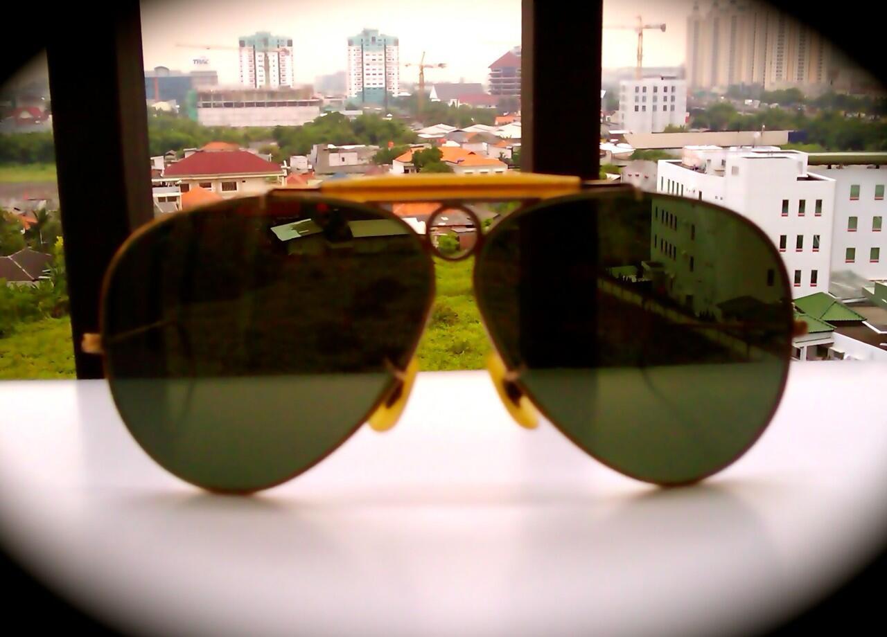 Terjual kacamata rayban 2e5925b0a1