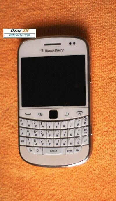 Jual HP Balckberry DAKOTA Bold 9900 1256 purewhite(QUERTY+ touchscreen)sekon murah
